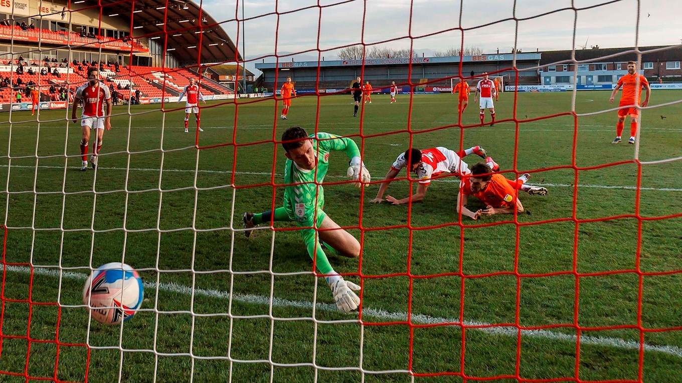 John Marquis scores for Pompey at Fleetwood