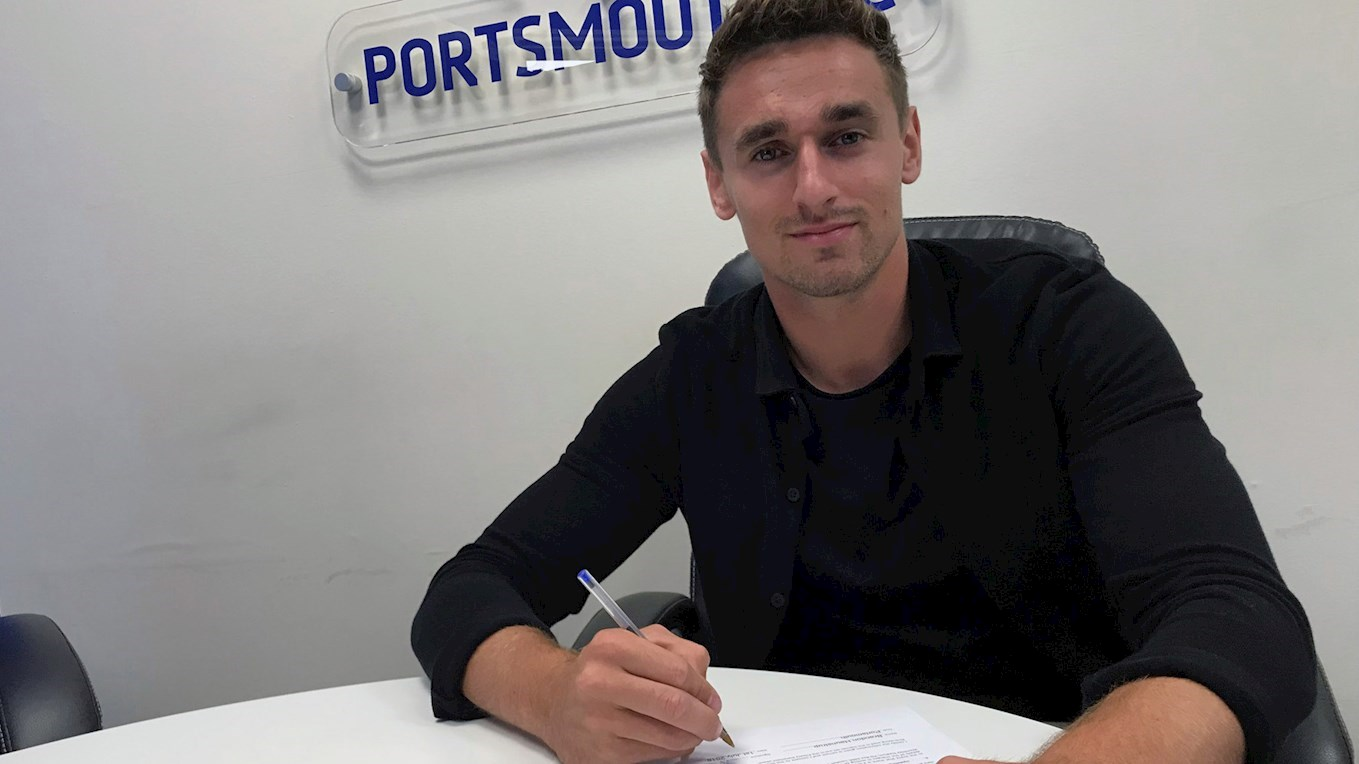 Brandon Haunstrup signs a new Pompey contract