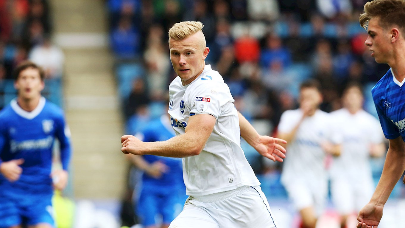 Curtis Main in action for Pompey at Gillingham