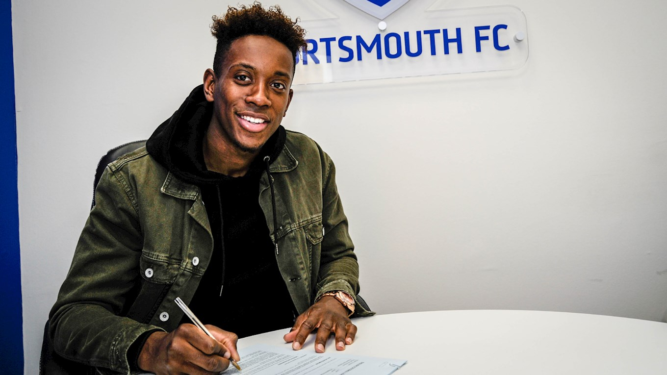 Jamal Lowe signs a new Pompey contract