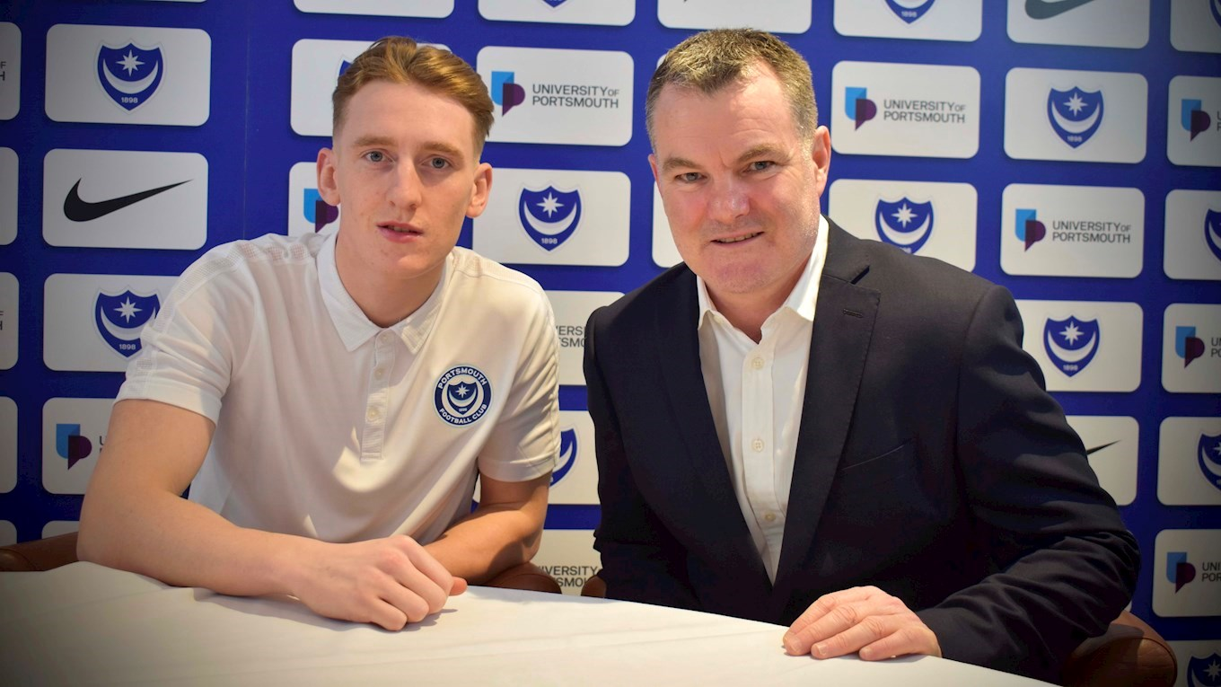 Ronan Curtis signs a new Pompey contract